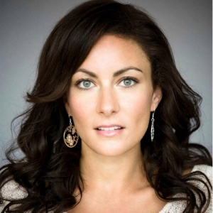 Laura Benanti-headshot