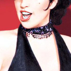 Liza-Minnelli-Cabaret-singing-300