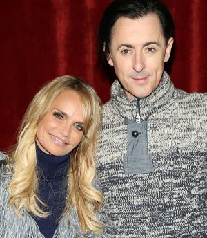Kristin Chenoweth Alan Cumming to Host 2015 Tony Awards